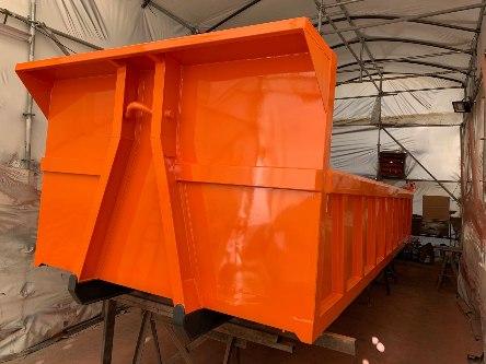 Contenedor abierto RSU con equipo de gancho