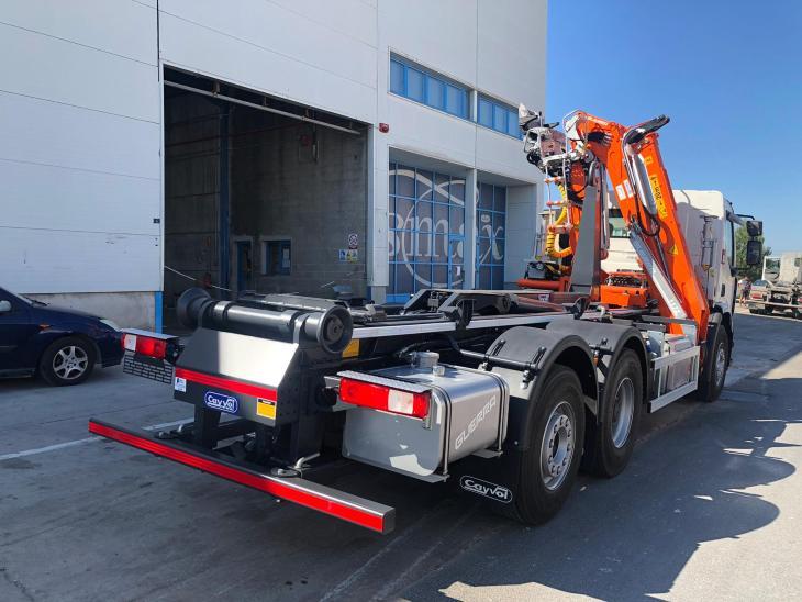 camion multivol hecho por carrocerías francisco en Mallorca